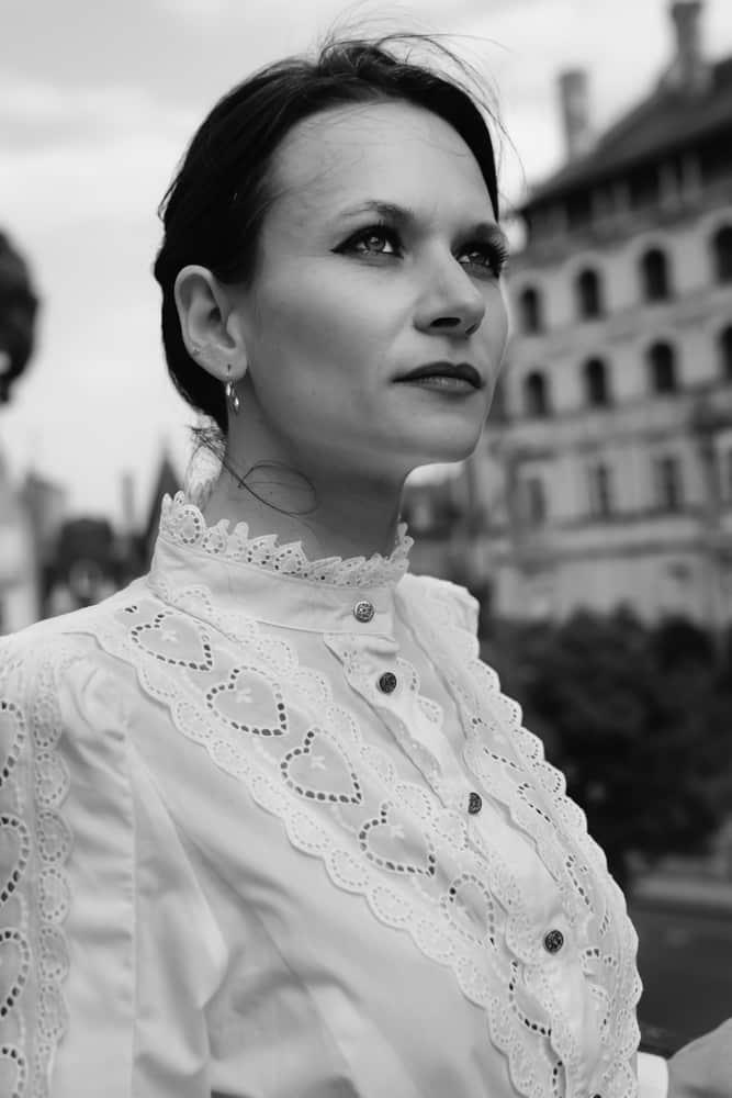 femme tenue vintage